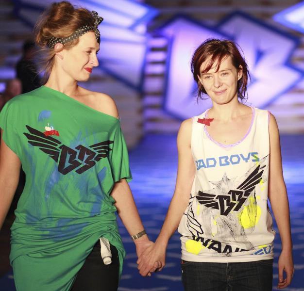 Lenka Sršňová (vpravo)