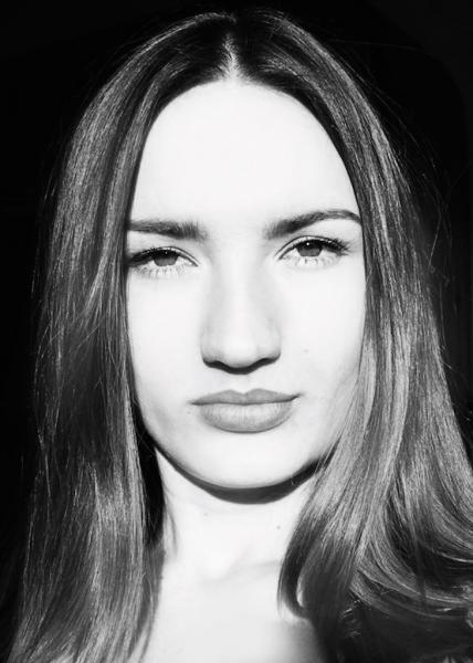 Veronika Lokajickova portret.jpg